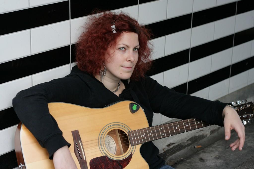 Tove Forssell ja kitara