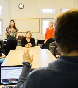 Uudessa suomenruotsalaisen viittomakielen kehittämishankkeessa aloitetaan kouluttajien kouluttamisesta