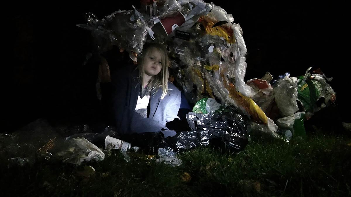 Yhteisöpedaogiopiskelija Tuuli Arponen teki aallon jätteistä