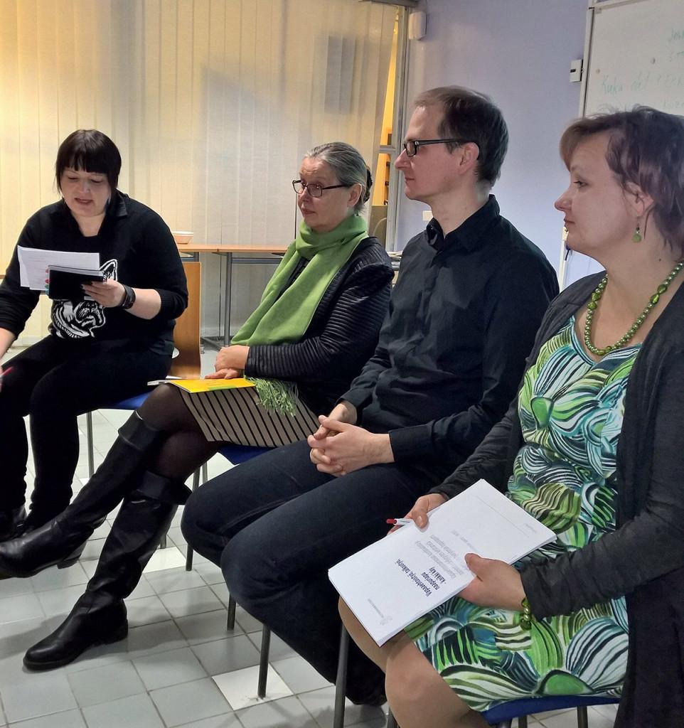 Panelistit toiminnanjohtaja Anitta Raitanen, vs. toiminnanjohtaja Leo Stranius ja kansanedustaja Anne Kalmari