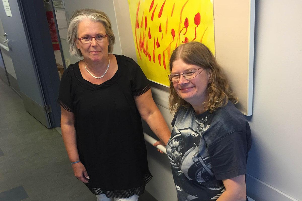 Kuvassa Humakin Livs-hankkeeseen osallistuvat Christina M. Karv ja Brita Peura.