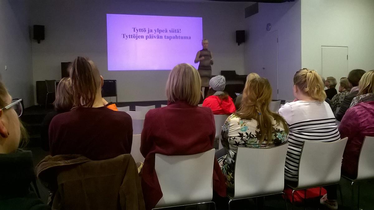 Tyttöjen päivän päätapahtuma pidettiin Turunpääkirjastossa