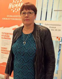 Anneli Sorkio johtaa hanketta jossa selvitetään oikeustulkkauksen erikoistumiskoulutuksen tarvetta