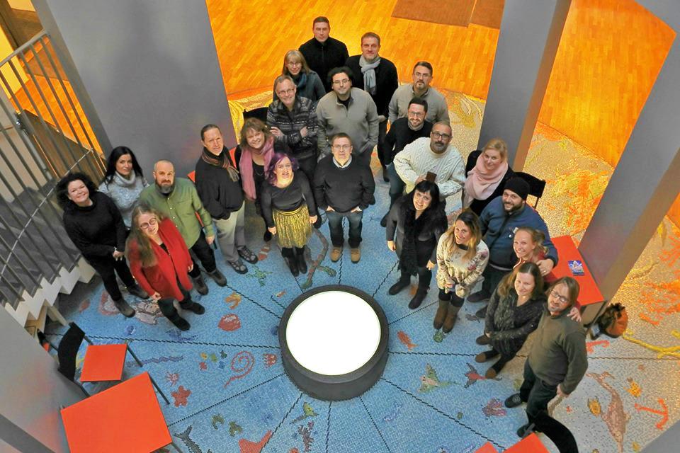 Nuorten tarinat kootaan kansainvälisessä ryhmässä