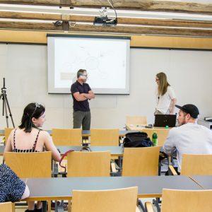 Humakin entinen opiskelija oli puhumassa Humakin kampuksella terrorismin ehkäisystä tapahtumissa.