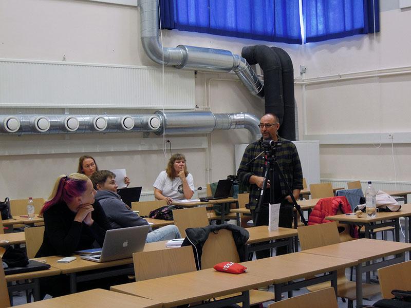 Antti opettaa ppitchaamaan