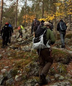 adventure-education-students-forest-hike