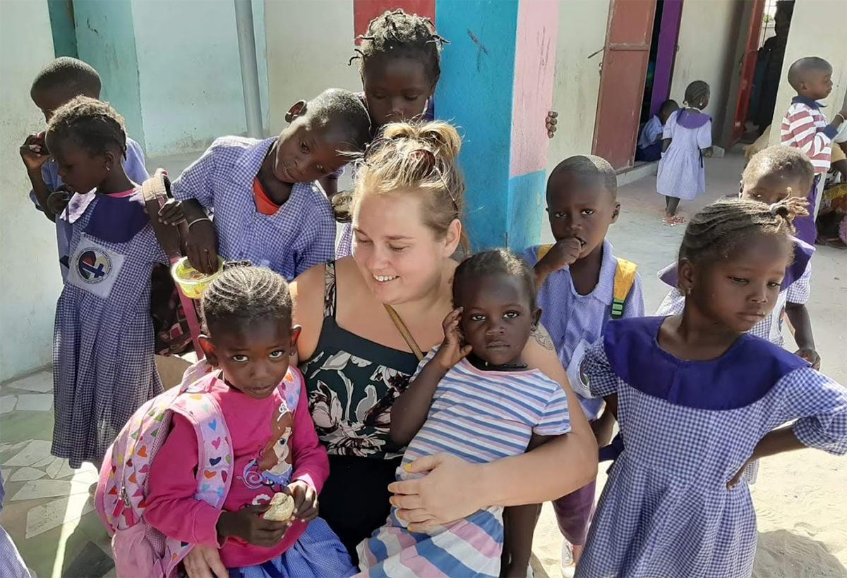 Anniina Ahlholm Gambiassa.