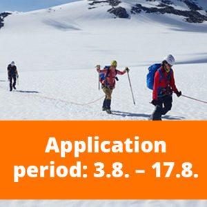 """Banneri, jossa taustalla valokuva henkilöistä vaeltamassa lumessa. Kuvan päälllä oranssi palkki, jossa teksti """"Application period: 3.8-17.8.""""."""