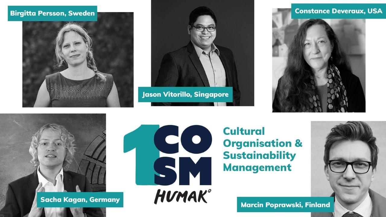 Valkea vihreä mainosbanneri COSM-opinnoista, kuvassa viiden ihmisen kasvokuvat ja nimet, COSM teksti.